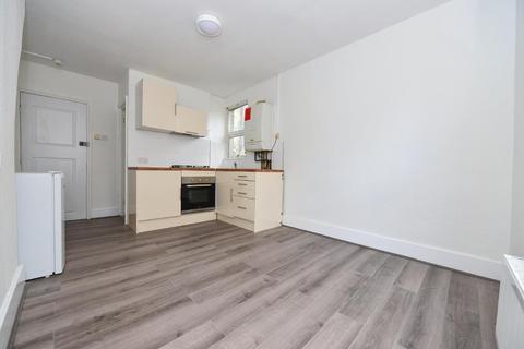 Studio to rent - Colney Hatch Ln, Friern Barnet, London, N11 3DB