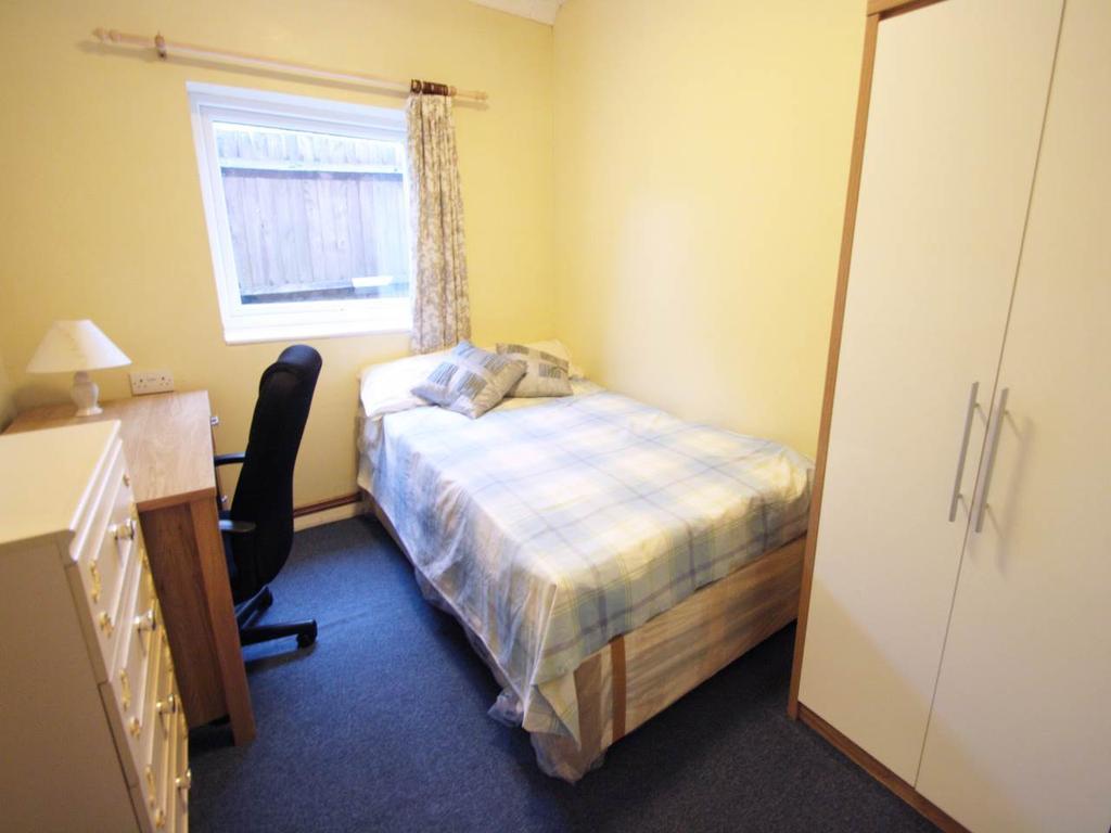 RT2 Bedroom 3
