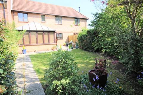2 bedroom terraced house for sale - Hawkslade Aylesbury