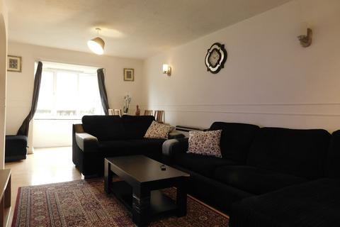 2 bedroom flat to rent - Perry Avenue, London, W3