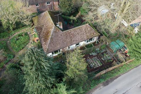 3 bedroom detached bungalow for sale - Aldworth Road, Upper Basildon, Reading
