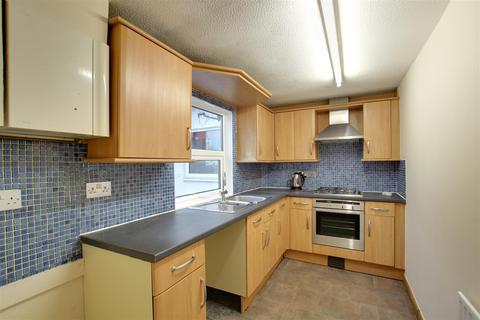 2 bedroom flat to rent - Lower Church Road, Burgess Hill