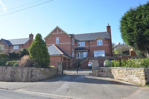 5 bedroom detached house for sale - Marford Hill, Marford.