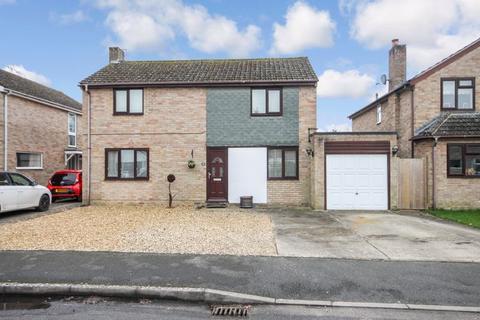 4 bedroom detached house for sale - Freeborn Close KIDLINGTON