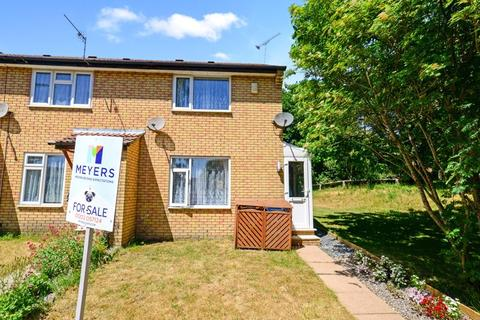 2 bedroom end of terrace house for sale - Henbury Close, Poole