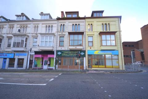 Property to rent - Station Road, Llanelli