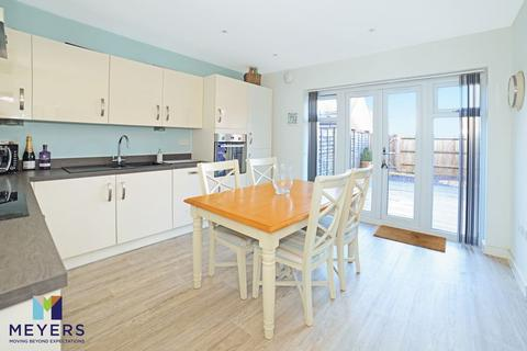 3 bedroom townhouse for sale - Westerman Way, Wareham, BH20.