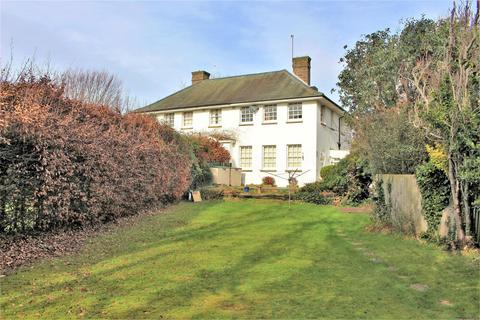 4 bedroom semi-detached house for sale - Manor Road North, Seaford