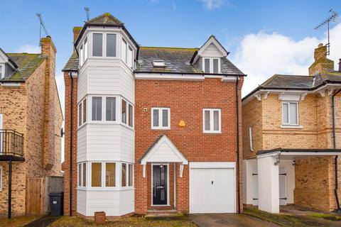 4 bedroom townhouse to rent - Shirebourn Vale, South Woodham Ferrers