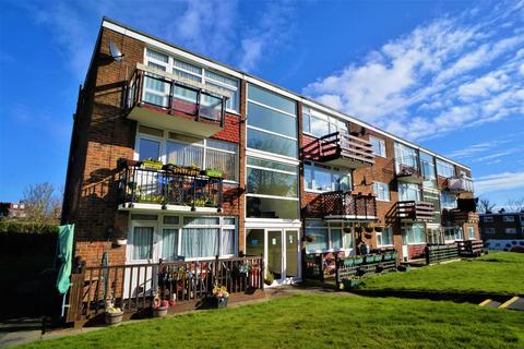 1 bedroom flat to rent - Hever House, Cypress Court, Rochester