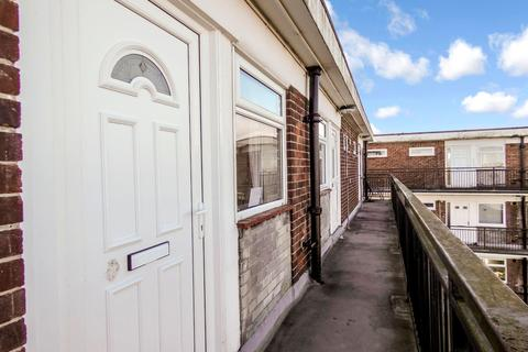 1 bedroom flat to rent - Riversdale House, Stakeford, Choppington, Northumberland, NE62 5LG