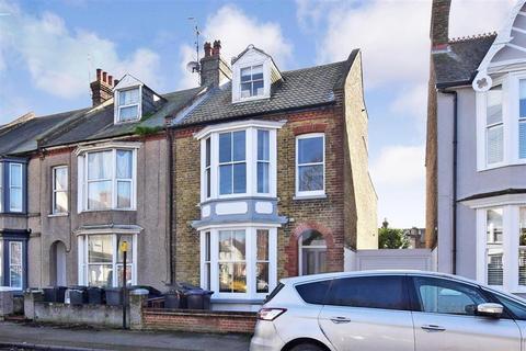 2 bedroom flat for sale - Brunswick Square, Herne Bay, Kent