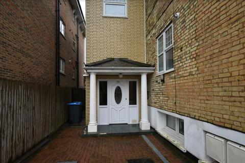 1 bedroom flat to rent - BYCULLAH ROAD EN2