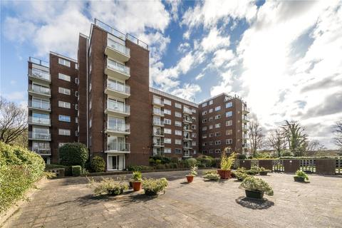 2 bedroom flat for sale - Minster Court, 28 Hillcrest Road, London, W5