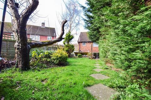 3 bedroom semi-detached house - Summervale Road, Tunbridge Wells, Kent