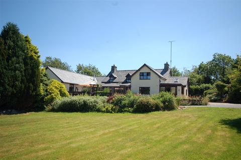 6 bedroom property with land for sale - Bontgoch, Talybont