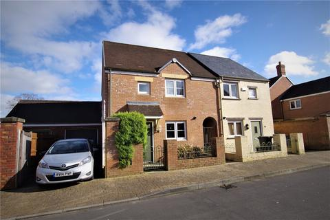 3 bedroom semi-detached house for sale - Ewden Close, Wichelstowe, Swindon, Wiltshire, SN1