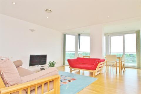 2 bedroom flat to rent - Tower Point, EN2