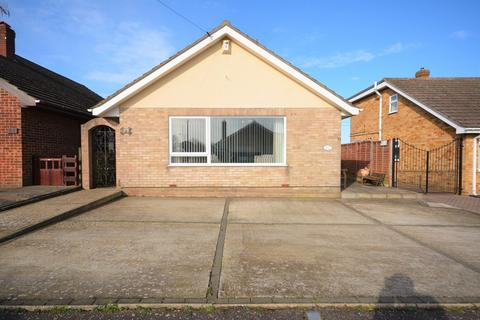 2 bedroom detached bungalow for sale - Yew Tree Close, Bradwell, Norfolk