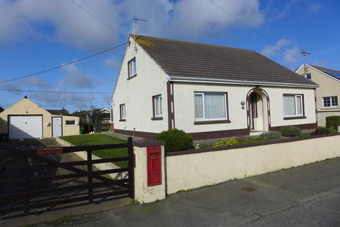 3 bedroom detached bungalow for sale - Church Road, Roch