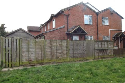 2 bedroom terraced house to rent - Monkswood Crescent, Tadley, Hampshire, RG26