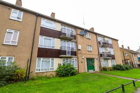 3 bedroom flat to rent - Suffolk Road, Enfield
