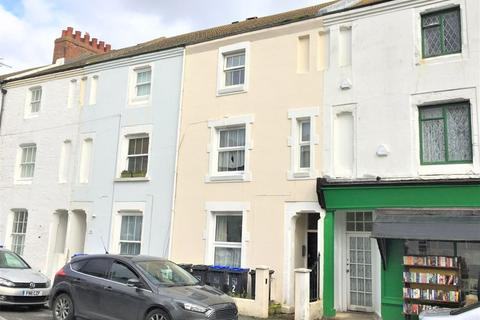 Studio to rent - Gratwicke Road, Worthing