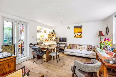 2 bedroom flat for sale - Fentiman Road, London, London