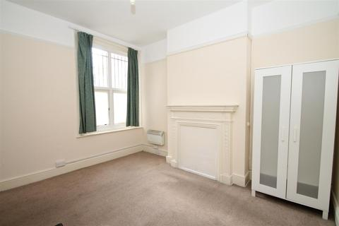 House share to rent - Green Lanes, Palmers Green N13