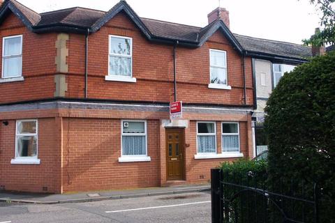2 bedroom terraced house to rent - Albert Street, Stone