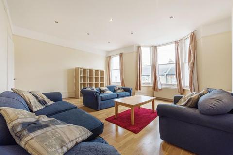 4 bedroom flat to rent - Taybridge Road, SW11