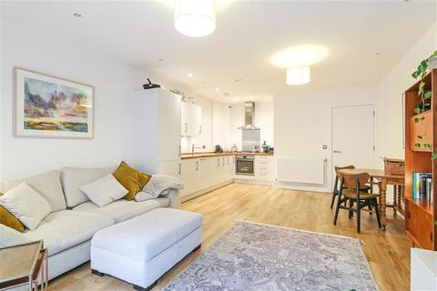 1 bedroom flat for sale - Piper Court, Lomond Grove, Lomond Grove, London, SE5 7FQ