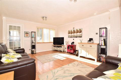 3 bedroom semi-detached house for sale - Lakemead, Ashford, Kent