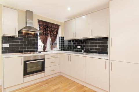 2 bedroom flat to rent - High Street, South Norwood, SE25