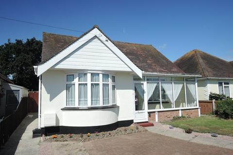 2 bedroom detached bungalow for sale - Seafields Road, Holland-on-Sea