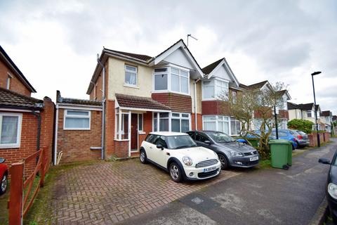 6 bedroom semi-detached house to rent - Highfield
