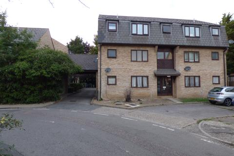 Studio to rent - Wingrove Court, Broomfield Road, Chelmsford CM1