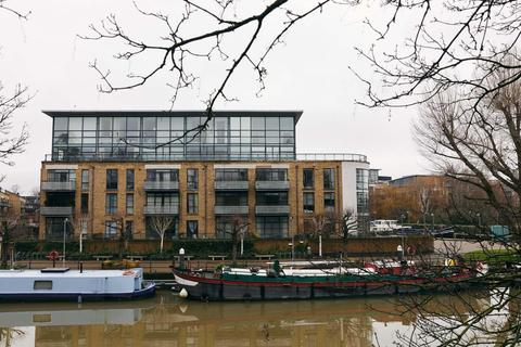 1 bedroom penthouse for sale - Point Wharf Lane, Brentford TW8