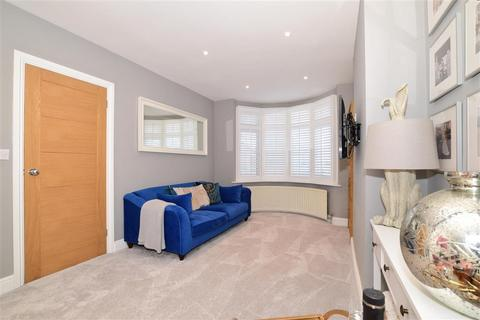 5 bedroom end of terrace house for sale - Rowley Avenue, London