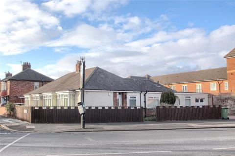 2 bedroom semi-detached bungalow - Arncliffe Avenue, Low Hartburn