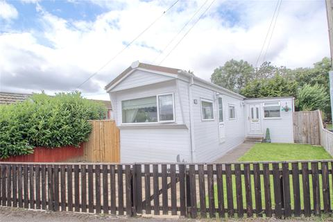 2 bedroom detached bungalow for sale - Sandy Leas Lane, Whinney Hill