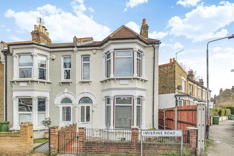 3 bedroom terraced house for sale - Inverine Road London SE7