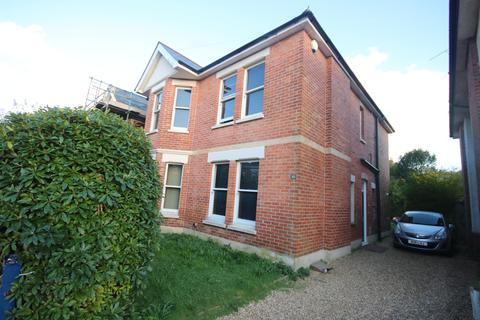 6 bedroom detached house to rent - Gerald Road, Bournemouth