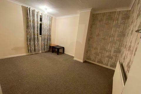 1 bedroom flat to rent - FRINTON MEWS, GANTS HILL, ILFORD IG2
