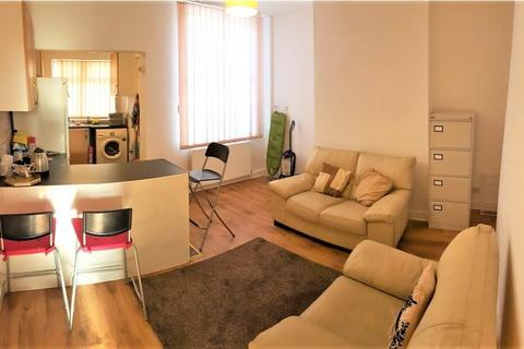 3 bedroom terraced house to rent - Lowestoft Street, Rusholme, M14 7PU