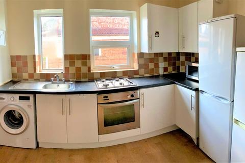 3 bedroom semi-detached house to rent - Edgeworth Drive, 3 Bed, Fallowfield, Manchester