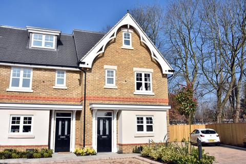 3 bedroom semi-detached house to rent - Payton Gardens, Cookham, Maidenhead, Berkshire, SL6