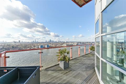 2 bedroom penthouse for sale - Seacon Tower, 5 Hutchings Street, Canary Wharf, London, E14
