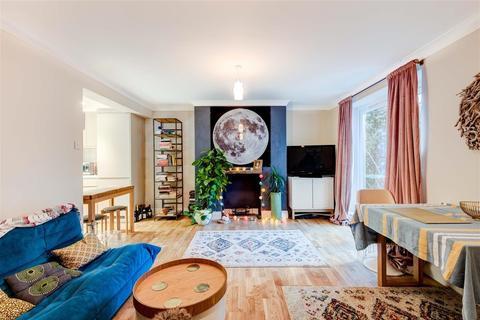 2 bedroom flat for sale - Compton Avenue, Brighton