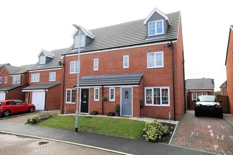 4 bedroom semi-detached house for sale - Honeywood Avenue, Bamber Bridge